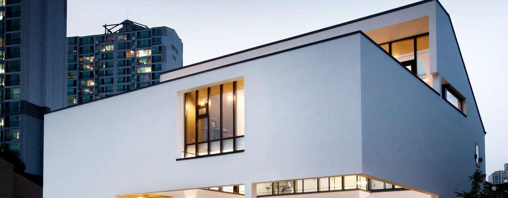 HOUSE DAM: 디자인그룹 콜라보의  주택