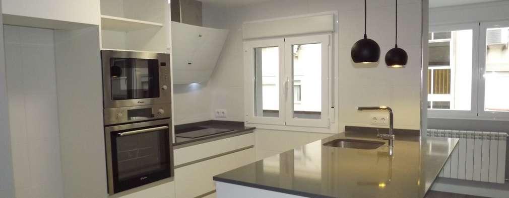 Cocina: Cocinas integrales de estilo  de Almudena Madrid Interiorismo