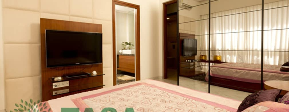 Bedroom design and wordrobe:   by TASA interior designer
