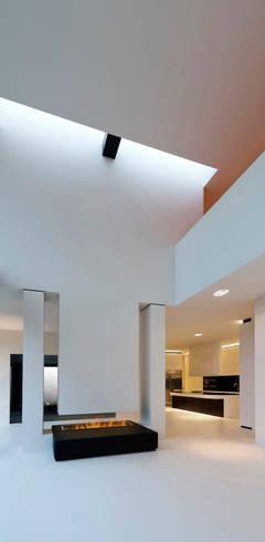 East West Villa:  Woonkamer door 123DV Moderne Villa's