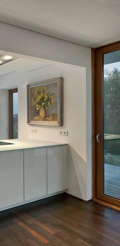 Nhà bếp by Kauffmann Theilig & Partner, Freie Architekten BDA