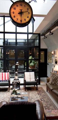 Livings de estilo  por BRICKS Studio