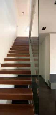 Flur & Diele von eidée arquitectes S.L.P.