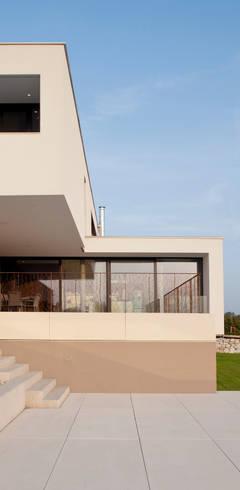 Wohnhaus P. - Oberösterreich: moderne Häuser von Frohring Ablinger Architekten
