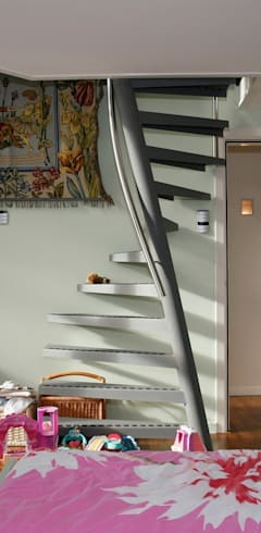 Couloir, entrée, escaliers de style  par EeStairs | Stairs and balustrades