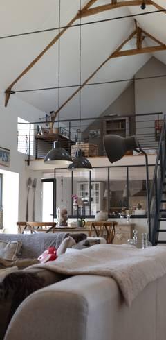 Livings de estilo  por Courants Libres