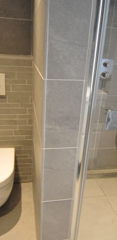 Badezimmer von AGZ badkamers en sanitair