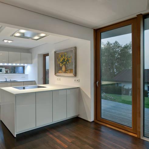 Projekty,  Kuchnia zaprojektowane przez Kauffmann Theilig & Partner, Freie Architekten BDA