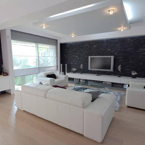 Salas / recibidores de estilo  por Mimkare İçmimarlık Ltd. Şti.