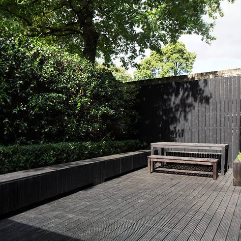 minimalistischer Garten von Ed Reeve