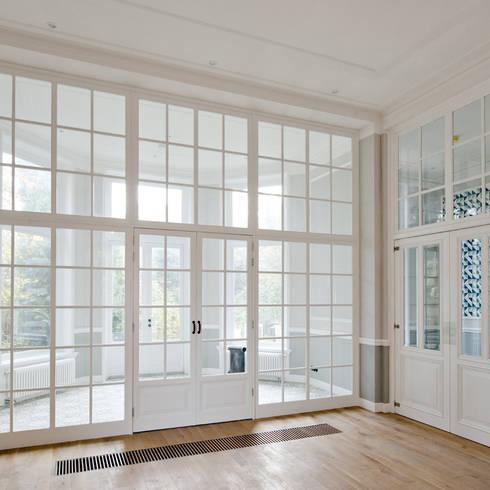 غرفة نوم تنفيذ Kodde Architecten bna