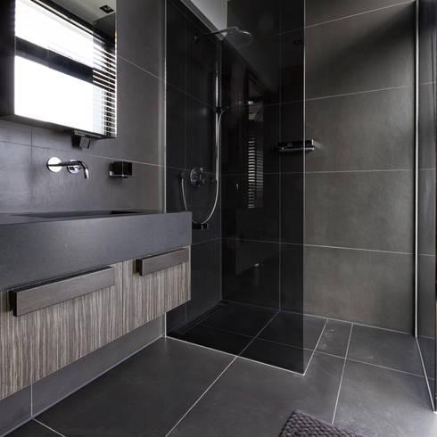 Bathroom by BB Interior
