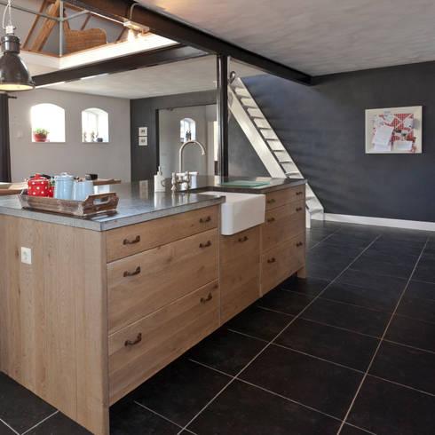 Cucina in stile  di Thijs van de Wouw keuken- en interieurbouw