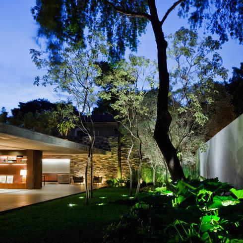 moderne Häuser von Studio MK27