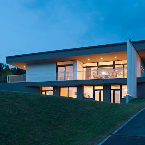 Haus G.: moderne Häuser von junger_beer architektur zt-gmbh