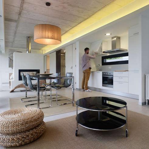 minimalistische Esszimmer von Nan Arquitectos