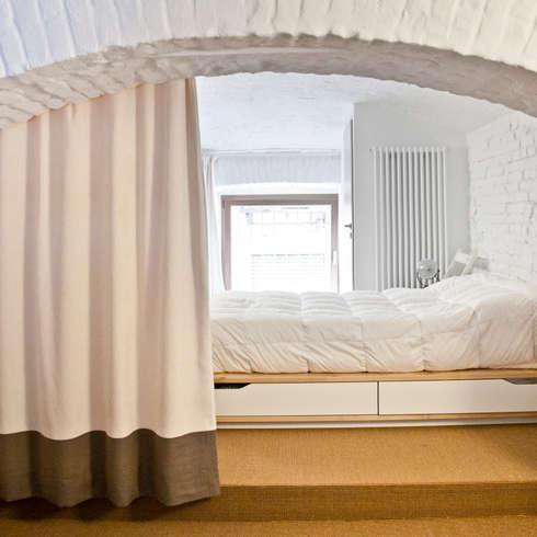 helle schlafzimmer. Black Bedroom Furniture Sets. Home Design Ideas