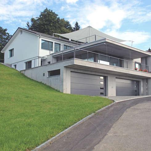 Südfassade:  Terrasse von Schweizer Architekten HTl/STV