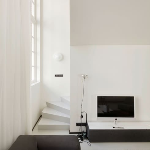 The Post: moderne Woonkamer door Wiel Arets Architects