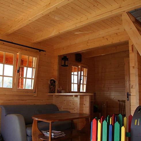Case rustiche interni camera da letto dal fascino for Interni case arredate