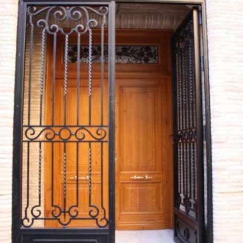 15 puertas de herrer a que te encantar n for Puertas de herreria para entrada principal