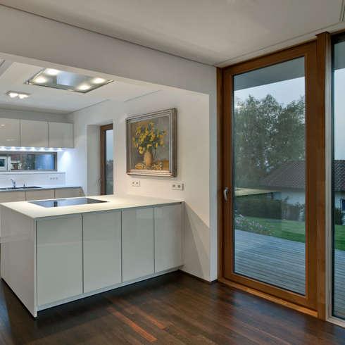 Cuisine de style de style Moderne par Kauffmann Theilig & Partner, Freie Architekten BDA