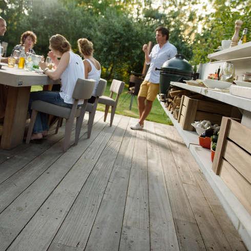 Sfeerimpressie WWOO Concrete Outdoor Kitchen: industriële Tuin door NewLook Brasschaat Keukens