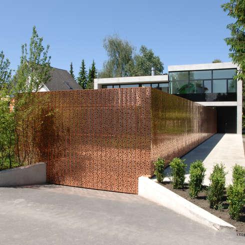Einfamilienhaus in Lustenau / Österreich: moderne Häuser von Früh Architekturbüro ZT  GmbH