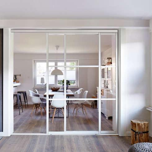 raumteiler so schaffen sie mehr struktur in gro en r umen. Black Bedroom Furniture Sets. Home Design Ideas