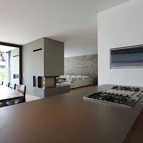 Villa P2: moderne Wohnzimmer von DG/D Architekten