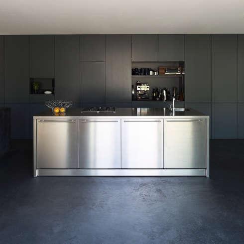 Einfamilienhaus D: moderne Küche von Architekturbüro Dongus
