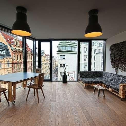 europaletten altes holz in neuem glanz. Black Bedroom Furniture Sets. Home Design Ideas