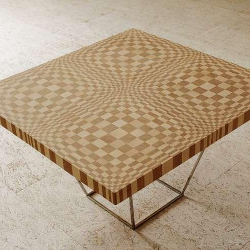 Tavolino di Optic Collection: Sala da pranzo in stile in stile Eclettico di Marzoarreda