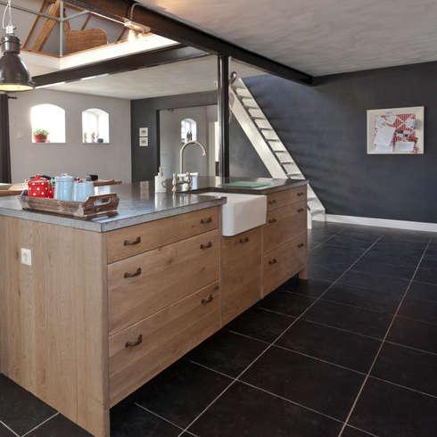 Nhà bếp by Thijs van de Wouw keuken- en interieurbouw