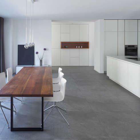 Wohnhaus_S: moderne Esszimmer von Fachwerk4 | Architekten BDA