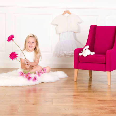 moderne Kinderkamer door Treasure Chairs