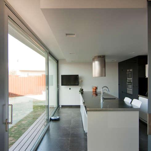 minimalistische Küche von eidée arquitectes S.L.P.