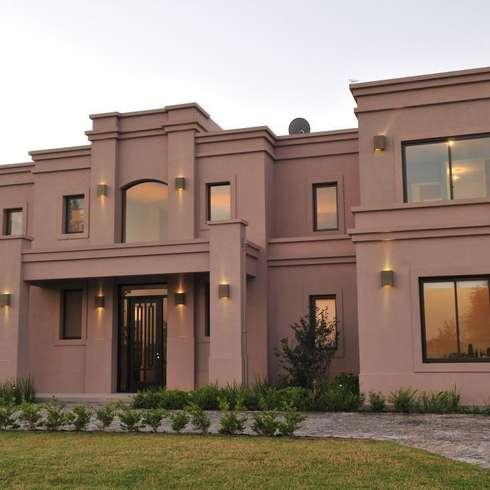 Casas de parrado arquitectura for Frentes de casas de campo