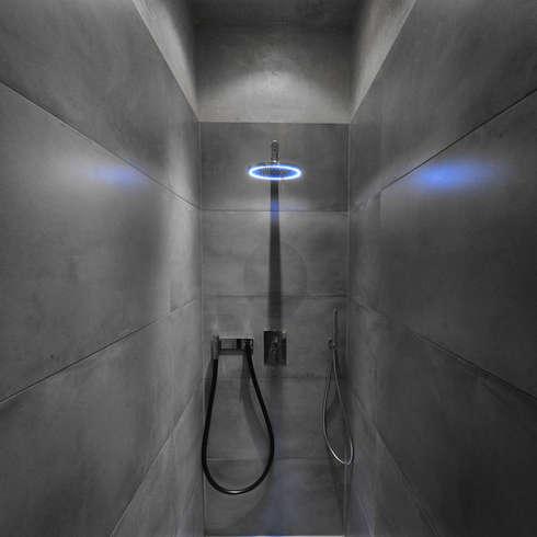 Das Atriumhaus: moderne Badezimmer von Architekten Spiekermann