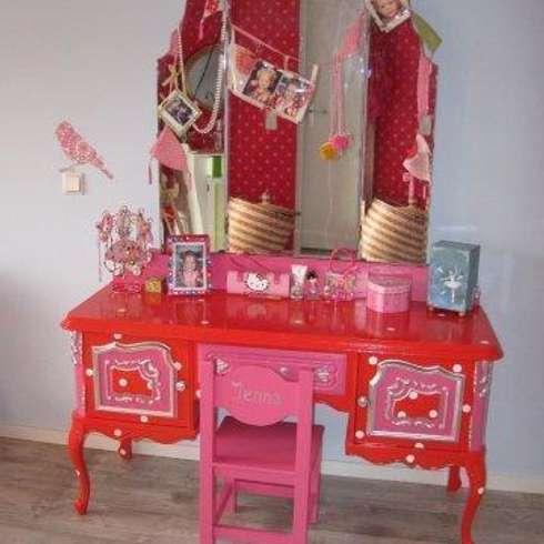 Antieke kaptafel.: rustieke & brocante Kinderkamer door Happykidsart
