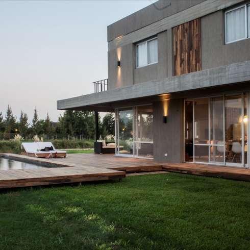 moderne Häuser von FAARQ - Facundo Arana Arquitecto & asoc.