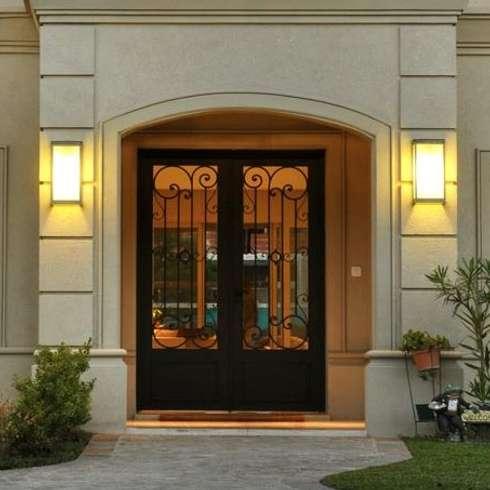 Puertas de hierro forjado for Puertas de herreria de cuadros