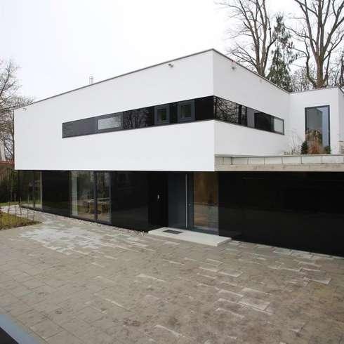 Einfamilienhaus Starnberg: moderne Häuser von Huaber & more