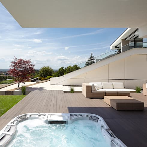 VILLA HOLLYWOOD: modernes Spa von LEE+MIR