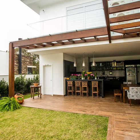 Indoor Outdoor Living Spaces
