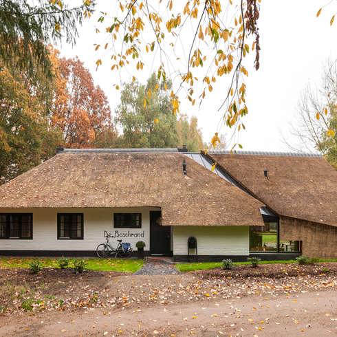 WOONHUIS HOLTEN: moderne Huizen door Maas Architecten