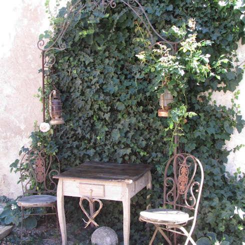 hof garten und terrasse im shabby chic und vintage stil dekorieren. Black Bedroom Furniture Sets. Home Design Ideas