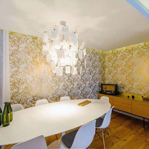 Un appartamento giovane e dall 39 anima vibrante for Sala pranzo vecchia