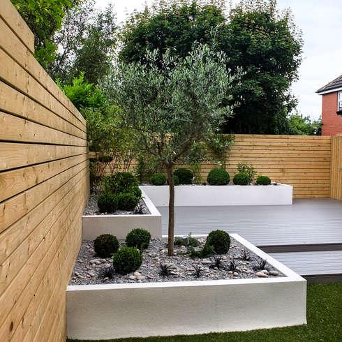minimalistischer Garten von J B Landscapes LTD