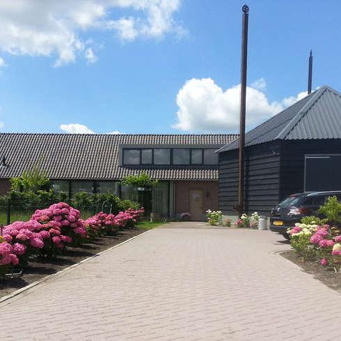 Woning Harmelen: landelijke Huizen door Architectenbureau van den Hoeven b.v.